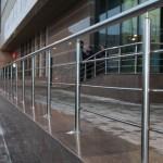ограждение общественных зданий
